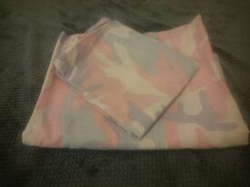 Pink Camouflage Single duvet and pillow set (new/unused)
