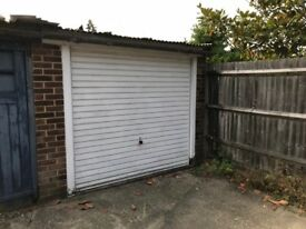 Garage to Rent in Woodley for classic car only