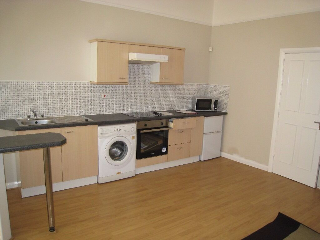 Super One Bed flat 10 Laurel Road L7
