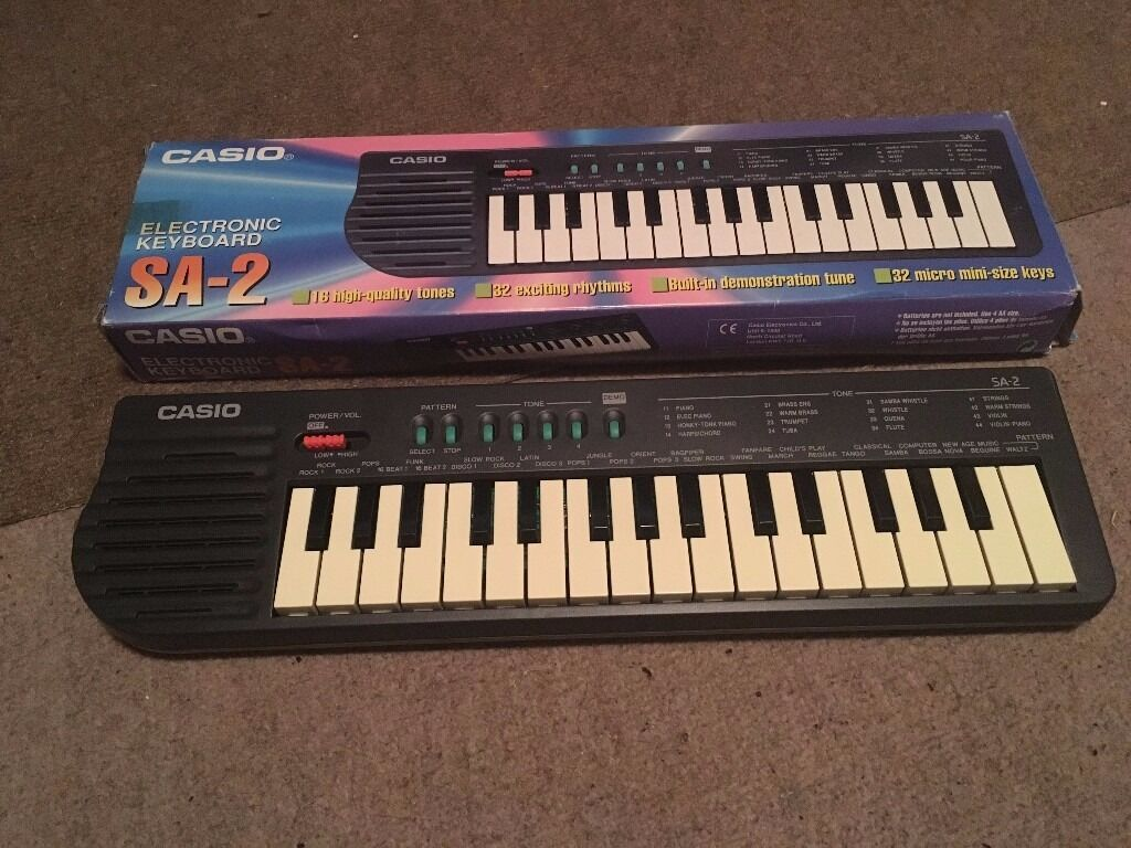 vintage 1980s casio sa 2 small electronic keyboard 32 key mini piano portable works w box in. Black Bedroom Furniture Sets. Home Design Ideas