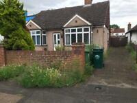 SHARED HOUSE TO RENT ASHFORD MIDDLESEX LONDON HEATHROW PARKING GARDEN 3 BEDROOMS KITCHEN EN SUITE