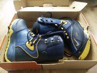 Nike Air Meru Snowboard Boots UK 7.5 (New in Packaging)