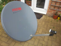 100CM Satellite Dish With Wall Mount and LNB