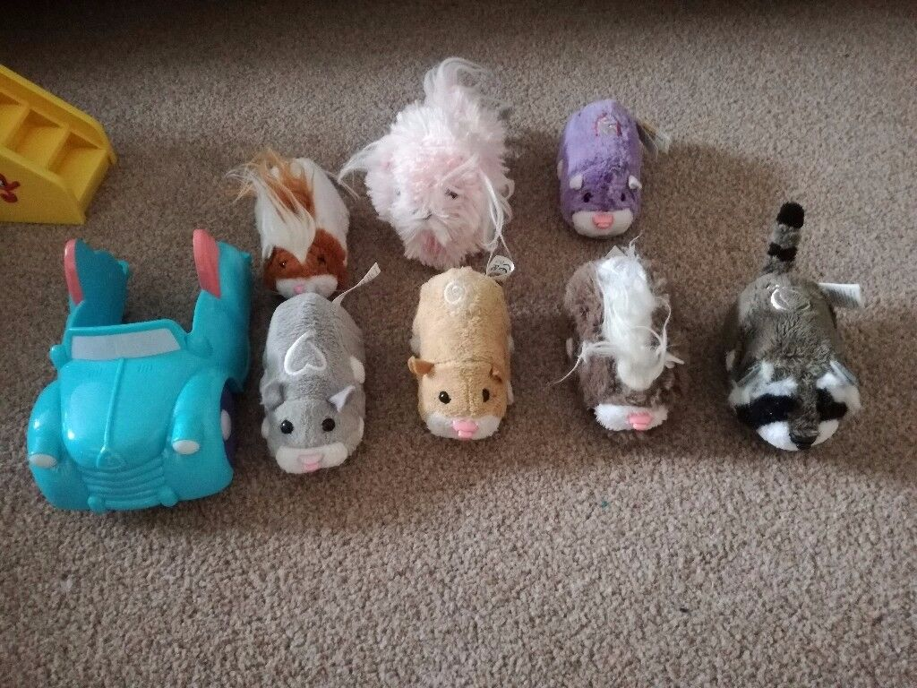 Zhu zhu pets - JOB LOT! Great condition and have little car accessory too!