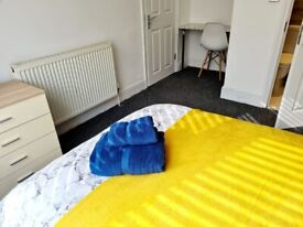 LARGE SPACIOUS MODERN DOUBLE ENSUITE ROOM IN WD244DX WATFORD CLOSE TO WATFORD GENERAL