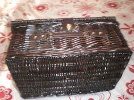 picnic hamper basket
