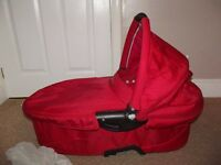 QUINNY DREAMI CARRYCOT WITH APRON & INSECT NET - RED - FOR QUINNY BUZZ PUSHCHAIR