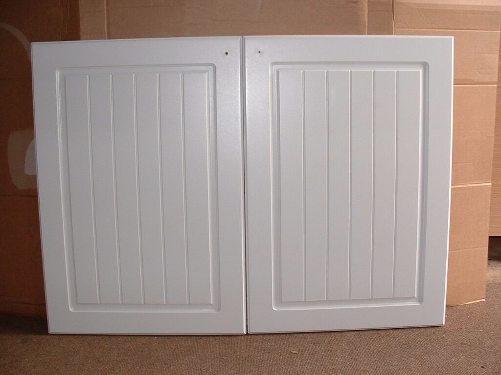 Kitchen cupboard doors b and q it range white country for Country style kitchen b q