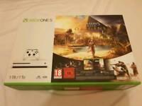 Xbox One S 1tb Assasins creed bundle