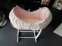 Noahs moses crib/basket in pink with stand