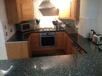 4/5 bedroom apartment in a block - perfect property for students-sharers