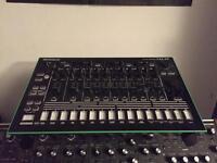 Tr8 tr-8 Roland drum machine. 808 909