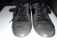 Mens Guess Trainer size 8
