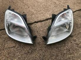 Ford Fiesta 04 headlights