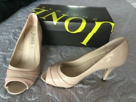 GORGEOUS SHOES FROM JONES WORN ONCE SIZE 4