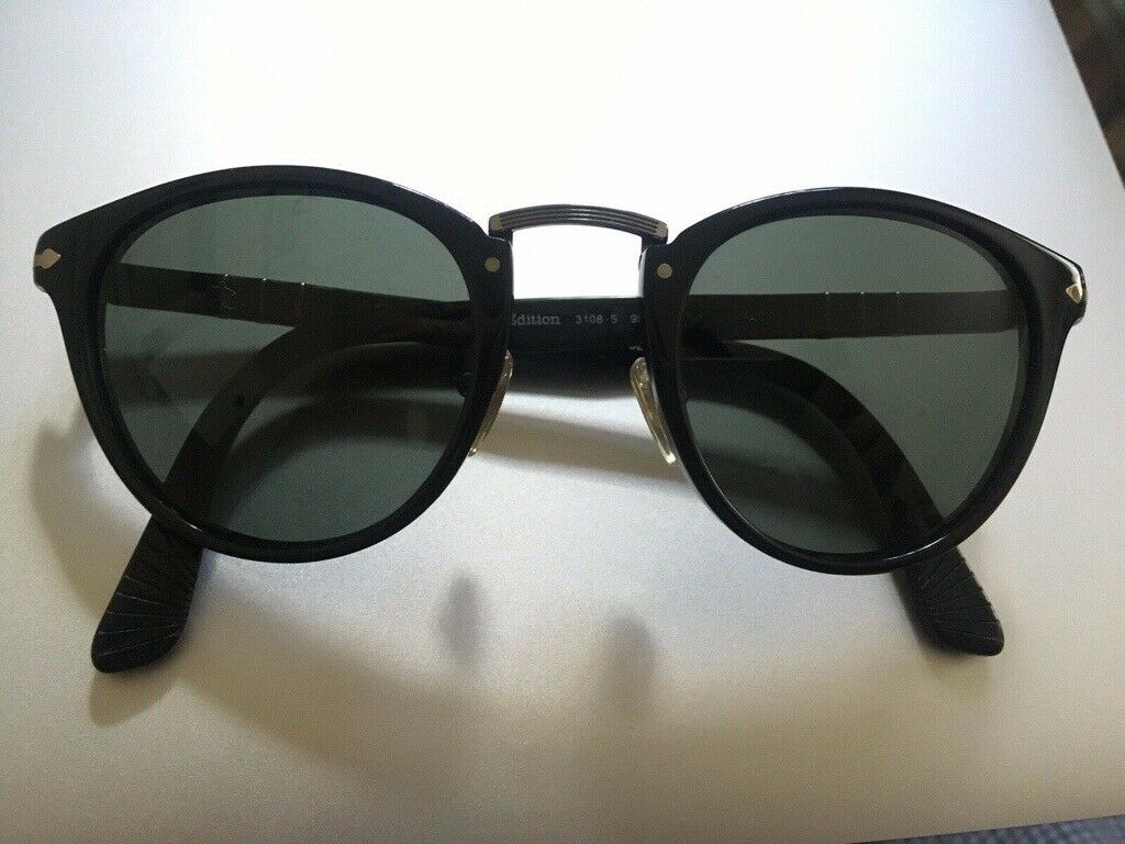 e117fa58bdfd Person typewriter Sunglasses - polarised glass lens | in Wimbledon ...