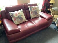 EXCELLENT SOFT BURGUNDY LEATHER SOFA. £50