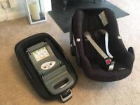 Maxi Cosi Pebble car seat and isofix base, good condition