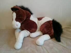 Cuddly toy horse