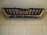Early Mitsubishi L200 Front Grill £10