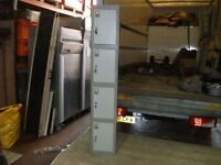 1X GREY 4 DOOR LOCKER 6FT IN EXCELLENT CONDITION ONLY £75 WITH KEYS