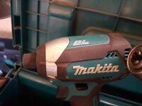 Makita combi drill brushless 2x 5a/h batteries