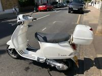 2005 Piaggio Vespa LX125-White 12,570 miles MOT until September 2018