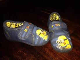 Little boys slippers size 8