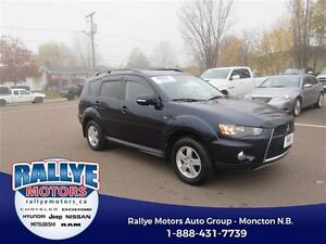 2013 Mitsubishi Outlander LS! AWD! Back-Up! Heated! ONLY 34K!