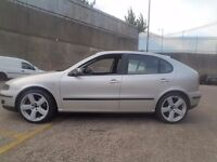 """18"""" rs6s 5x100 *1 new tyre and other 3 like new ( golf bora toledo leon"""