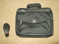 targus citygear laptop/ brief case brief case triple gusset in excellent condition