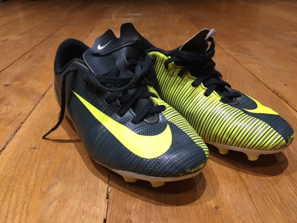 Nike Mecurial CR7 Firm Ground Football Boots - Size 4