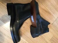 Men's boots size 7 New unwanted Gift.
