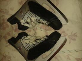 great condition ice skates size 11 Hockey