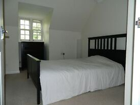Monday to Friday Double Room Available to rent in Upton Road, Langley Slough