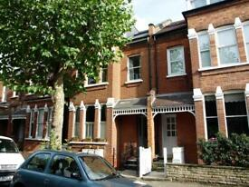 2 bedroom flat in Fortis Green Avenue, East Finchley, N2