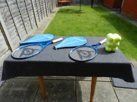 2 x tennis raquets and 12 balls, unused