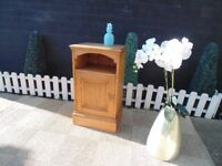 SOLID PINE FARMHOUSE SINGLE BEDSIDE CABINET VERY SOLID UNIT AND IT'S IN EXCELLENT CONDITION