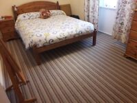 Double room in friendly Midlothian town, sharing with female professional