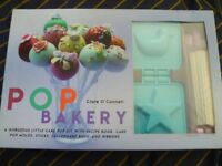 POP Bakery: 25 delicious little cakes on sticks book and kit