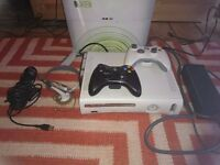 XBOX 360 PRO SLIM 120 GB HDMI WiFi Boxed + 2 Controllers Pads +Microfon +Headset + Cables