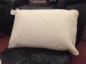 2 x silent night memory foam pillows