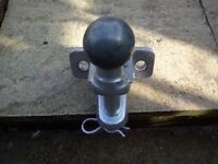 Tow Ball With Centre Pin