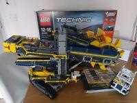 Lego Technic Bucket Wheel Excavator 42055 - in new condition