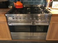 Britannia range cooker and extraction hood, working but may be better for parts