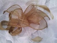 Gold fascinator, as new, never worn.