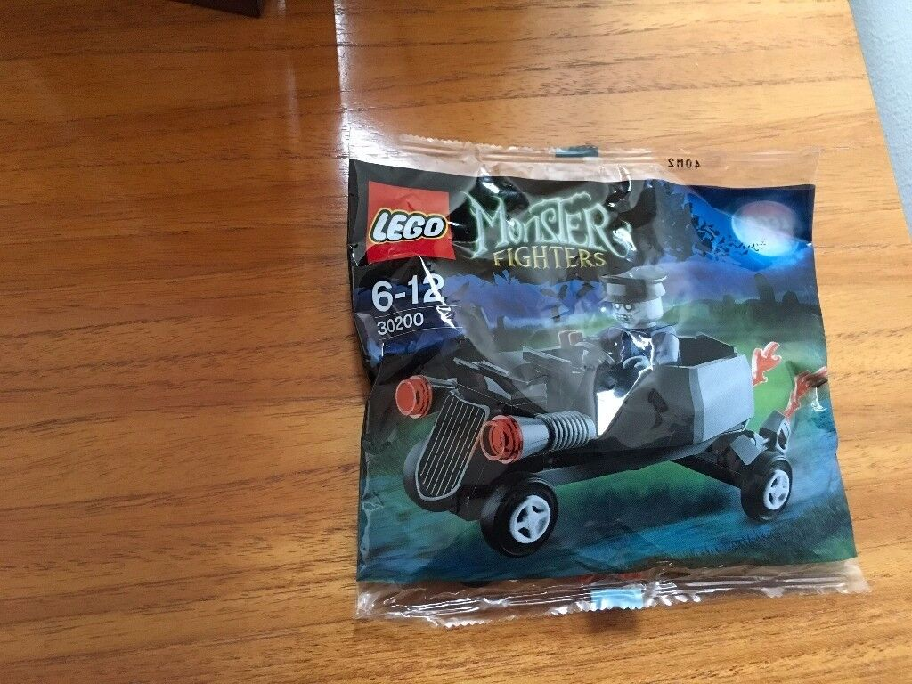 LEGO 30200 Monster Fighters - Poly Bag Zombie Chauffeur / Coffin Car (New)
