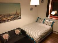Double & Single Rooms available close to Pymmes Park