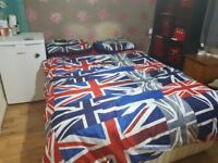 Master bedroom with en-suite house share for rent