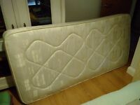 Clean, little used single divan bed for sale